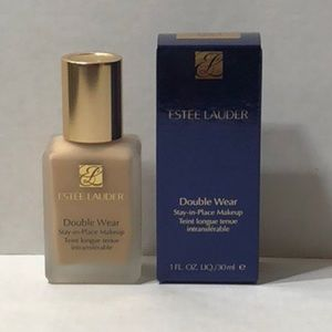 Estée Lauder Double Wear makeup liquid foundation